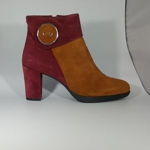 The Flexx Tan and Wine Ankle Boot with Button